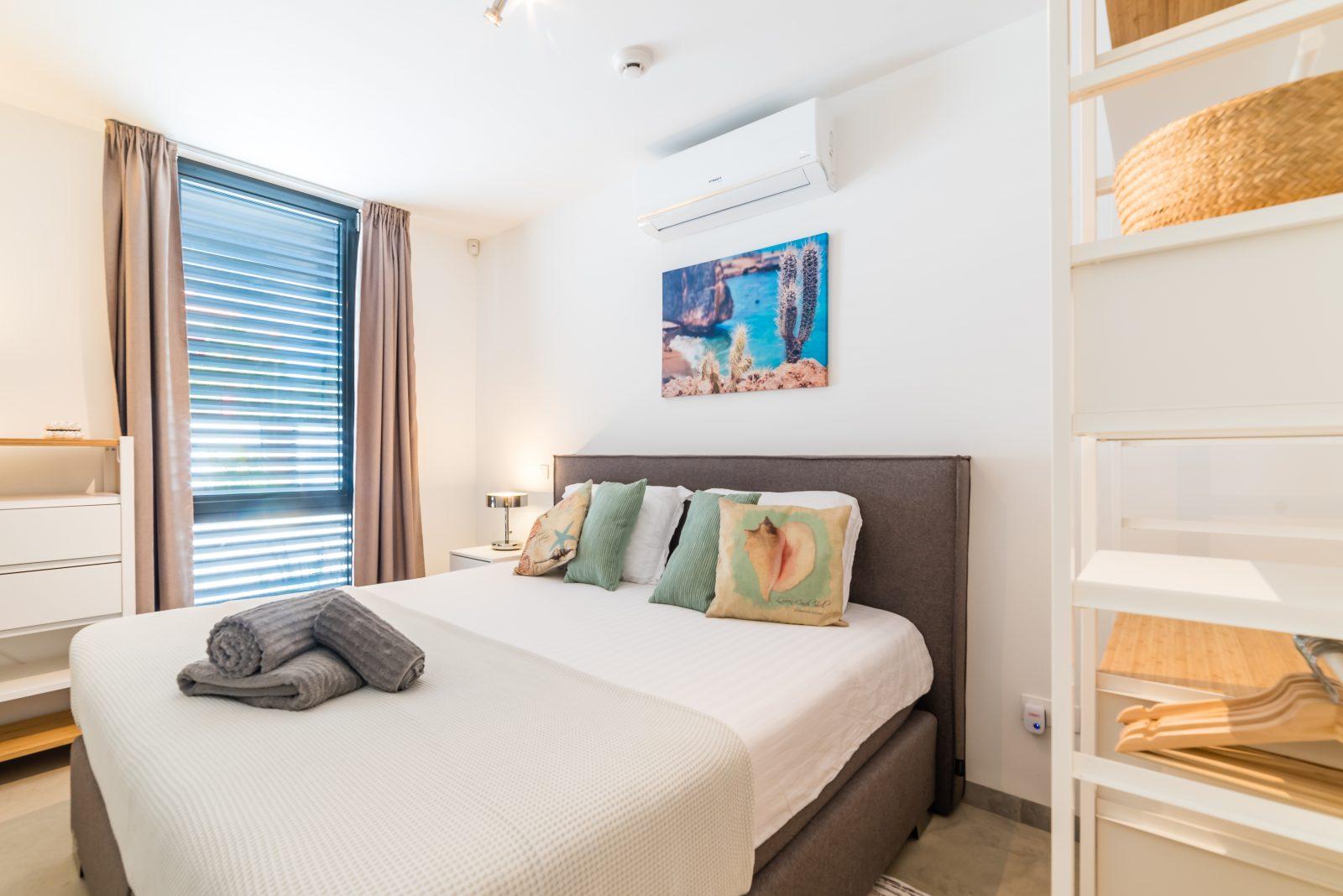 hasta slaapkamer 18 - Curacao - Indigo