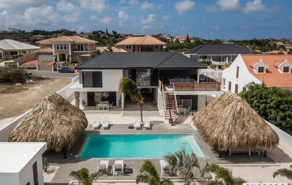 2-Curacao-PH-Indigo-Royal